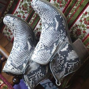 New Lucky Brand Bartalino python snake booties leather